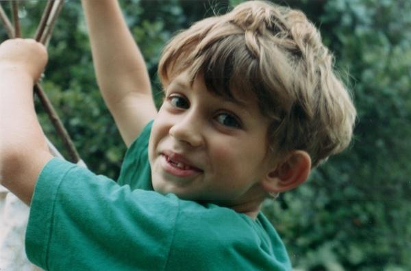 1993-Portrait_dents.jpg