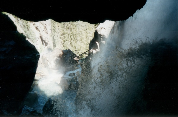 2001-Cascade_3.jpg